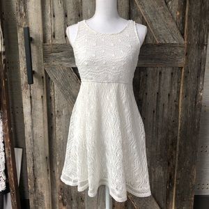 Lace dress with cutout